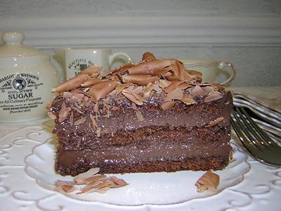 BOLO GANACHE DE CHOCOLATE